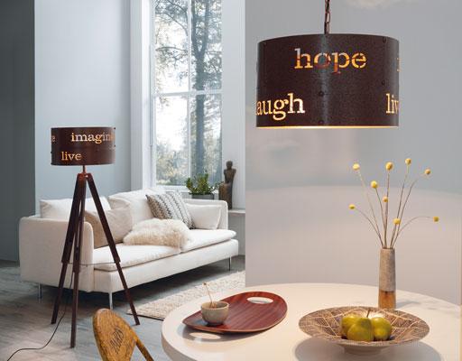 Stehlampe Dreibein und Hängelampe Modelle COLDINGHAM im Wohn- und Essbereich