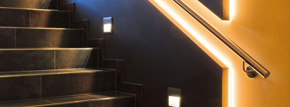 LED Stripes an der Treppe 97928