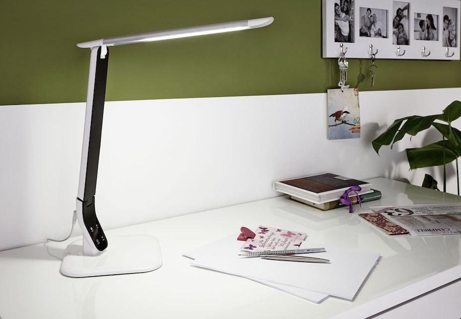 LED Tischlampe SELLANO im Büro 93901