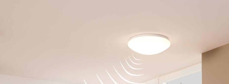 drei lampen ein bewegungsmelder