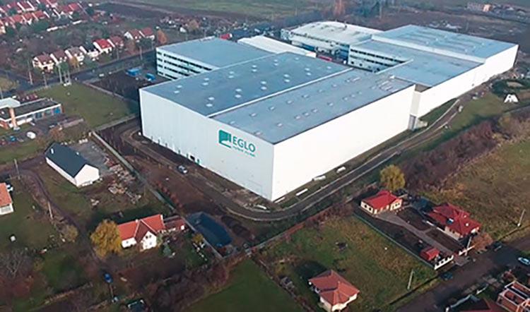 EGLO-fabriek in Pásztó, Hongarije