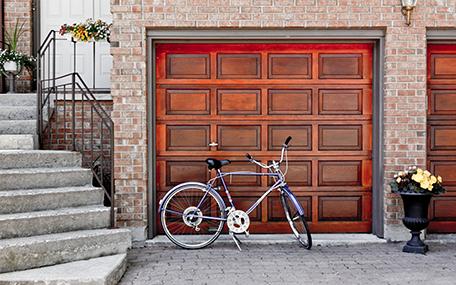 Außenleuchten Sockelleuchten Fahrrad vor Garage