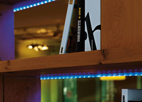 LED Streifen im Wohnbereich bunt
