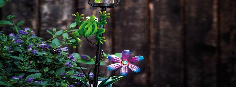 Solarleuchte dekorativ mit Erdspieß Frosch Blumen Motiv 48709